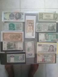 Dinheiro   de outros países  a