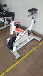Vendo 2 bike spinning movement g2,usada