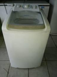 Máquina de lavar Electrolux.