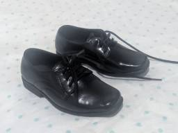 Sapato social,blusa social e calça da baby clube