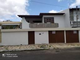 Aluga-se ótima casa c/ 02 Pvs. Rua Fenelon Santos c/4/4, Bairro Salgado Filho