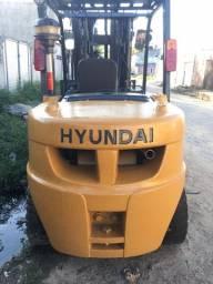 Empilhadeira 5T, á Diesel, Hyundai. Para Venda ou Locação