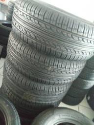 Hiper loja dos pneus remold