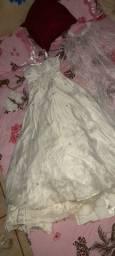 Vestido de noiva e vestido de festa