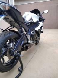 Moto suzuki Srad 750