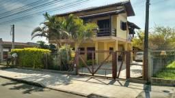 Aluga-se casa para veraneio com dois dormitórios em Torres