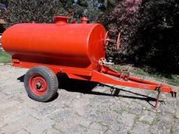 Carreta tanque 2000 litros