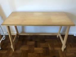 Escrivaninha em madeira Pinus