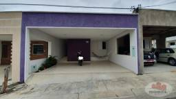 Casa com 4/4, reformada, em condomínio no bairro SIM.