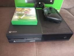 Vendo Xbox One 500 GB com FIFA 21 e GTA V mídia digital