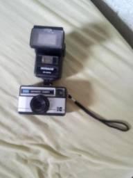 Câmera fotográfica antiga  instamatic 177xF. Com flash