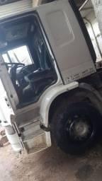 Caminhão IVECO EUROCARGO.<br>170E22 ANO 2005