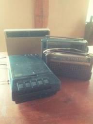 Lote de radios e gravador antigo, 4 peças
