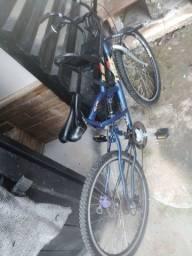Bicicleta com suporte para criancas freio a disco