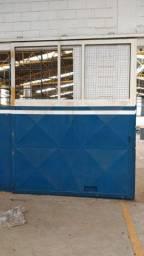 Título do anúncio: Portão com trilho na parte superior duas peças de 2,70 x 4,10 mts