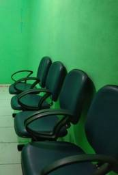 Vendo conjunto de 4 cadeiras semi novo