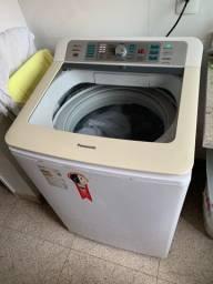 Máquina de lavar Panasonic com 3 anos de uso.
