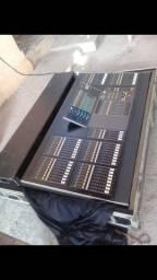 Mesa de som M7 CL