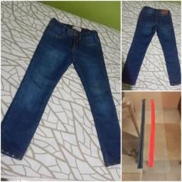 Calça jeans infantil com 2 cintos tamanho  5-6 anos da Riachuelo