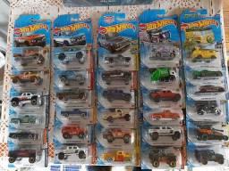 Hot Wheels Lote incrível com 30 miniaturas lacradas!