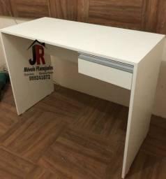 Escrivaninha em MDF - R$270,00