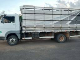 Caminhão 8-150 Delivery