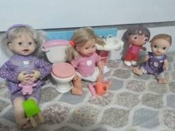 Lote de bonecas