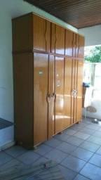 Guara roupa de madeira usado