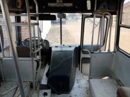 Vendo ônibus MB direção hidráulica,turbinado motor ok pneu bons só venda