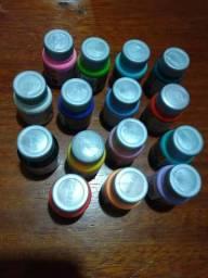 Vendo tintas para tecidos são 15 vidros de 37 ml cada varias cores