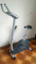 8270f130ce387 Bicicleta ergométrica até 120kg pouco uso