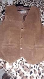 JAQUETA DE COURO linda para seu LOOK veste tamanho M leia anúncio abaixo