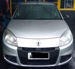 Renault Sandero 1.0 Authentic 2013