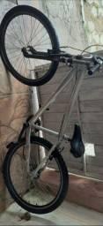 BARBADA: Bicicleta masculina de alumínio (OPORTUNIDADE)(ITAJAÍ)