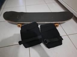 Skate e protetor de joelho