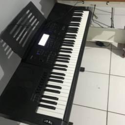 Vendo ou troco por piano digital
