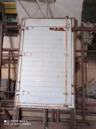 Porta lateral de Bau