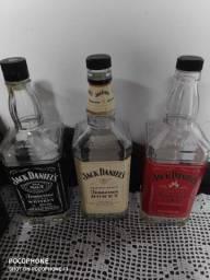 3 Garrafas de Jack Daniels vazias