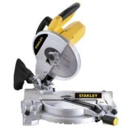 """Serra meia esquadria 10"""" 1.500 watts rotação 5.500 rpm - STSM1525 - Stanley (110V)<br><br>"""
