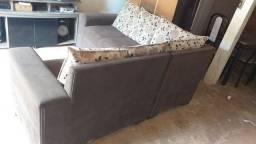 Vendo esse sofá semi novo chama no zap *