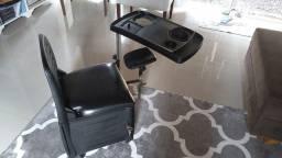 Mesa e cadeira de manicure