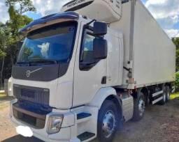 Caminhão Volvo VM330