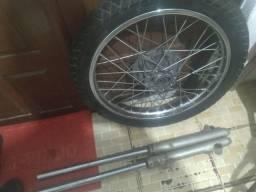 Vendo roda completa mais bengalas