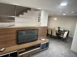 Casa de condomínio para venda possui 380 metros quadrados com 3 quartos