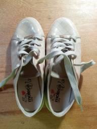 Sapato moleka, semi novo, TAM 35