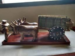 Carro de boi em madeira de lei
