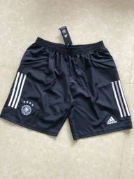 Shorts de time com bolso