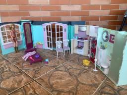 Casa da Barbie com boneca e itens / Casa de boneca