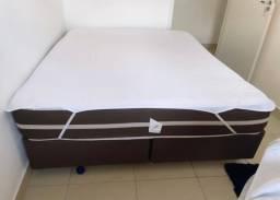 cama queen size box bi partido com colchão de molas.