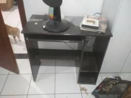 Mesa para estudos / computador / notebook